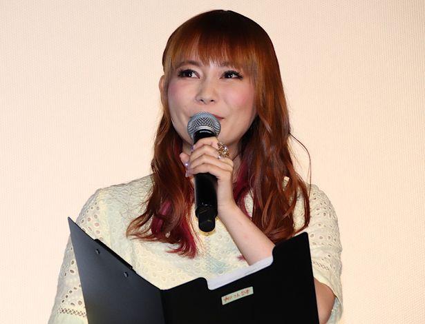 『ミュウツーの逆襲 EVOLUTION』舞台挨拶に登壇した中川翔子