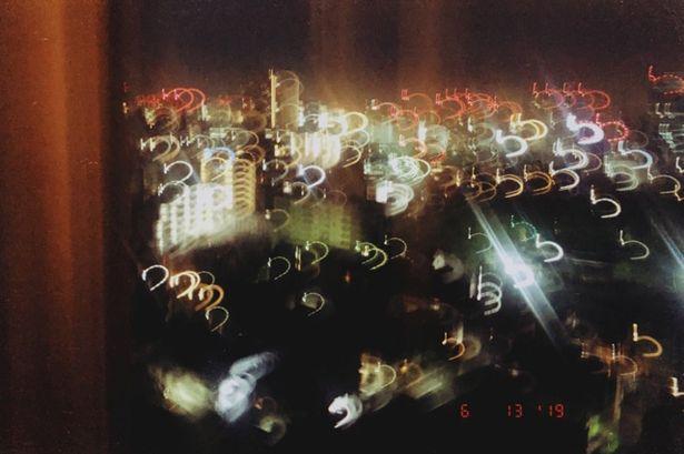 南沙良本人が撮影した、幻想的な夜景