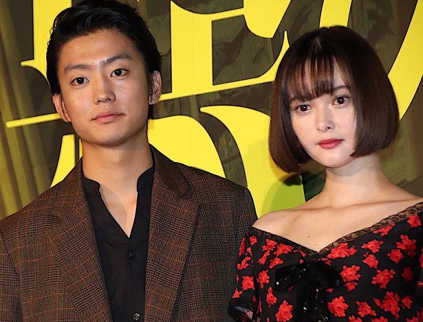 『惡の華』で特別な絆を育んでいく2人を演じた伊藤健太郎と玉城ティナ