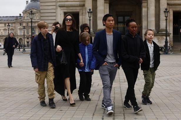 【写真を見る】アンジー&ブラピの6人の子どもたち、一致団結して両親の離婚を乗り越える!