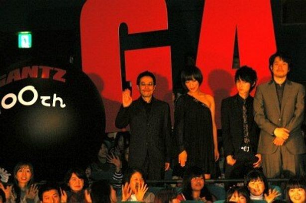 『GANTZ』初日舞台挨拶に登壇した左から、田口トモロヲ、夏菜、本郷奏多、松山ケンイチ