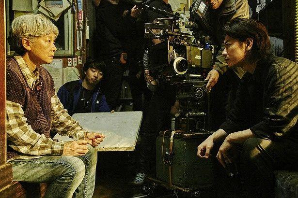 田中裕子演じる母、こはると、佐藤健演じる次男、雄二が対峙するシーン
