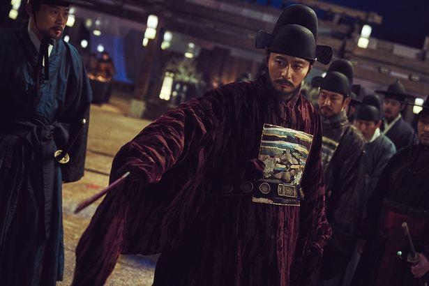 日本でも人気のチャン・ドンゴンが出演している(『王宮の夜鬼』)