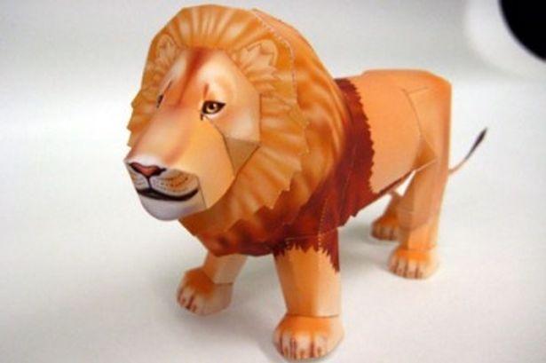 ライオンの姿をしたナルニアの創造主・アスランがペーパークラフトになって登場