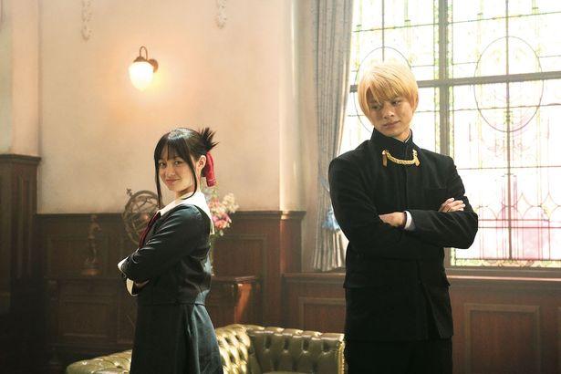 平野紫耀と橋本環奈が恋愛頭脳戦を繰り広げる!