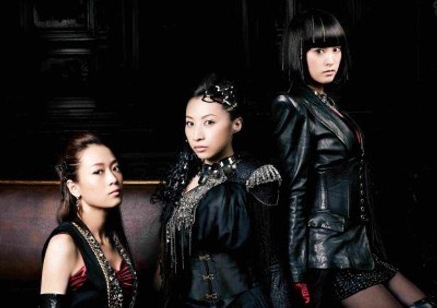 本格的に'11年の活動をスタートしたKalafinaのWakana、Hikaru、Keiko(写真左から)