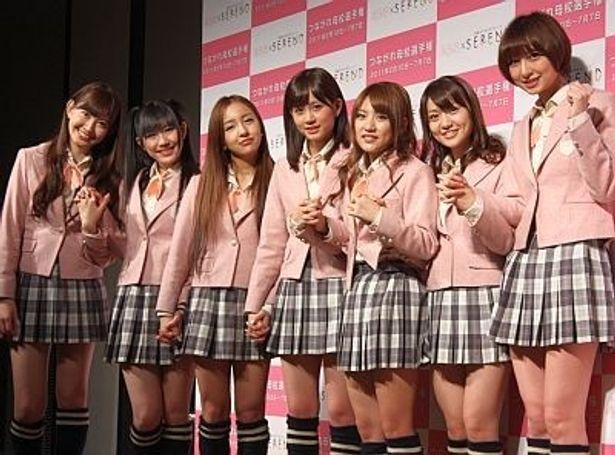 AKB48の小嶋陽菜さん、渡辺麻友さん、板野友美さん、前田敦子さん、高橋みなみさん、大島優子さん、篠田麻里子さん(左から)7人が登場!