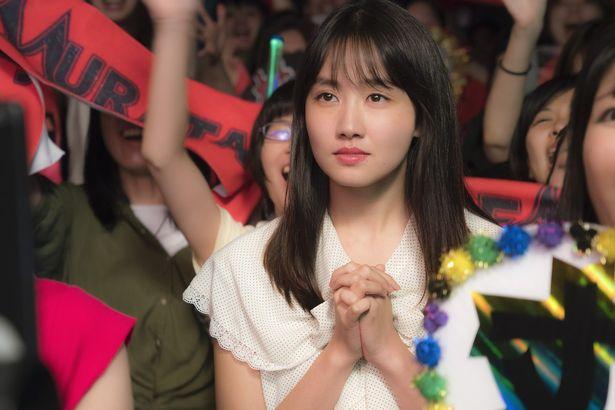 約3000人のオーディションから選出された新星、鎌滝えりが美津子役を演じる