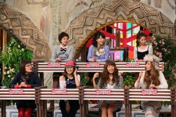 生徒役として出演する光浦靖子、misono、里田まい、小森純(写真前列左から)、虻川美穂子、 伊藤さおり、上原美優(写真後列左から)