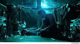 マーベルが夢をつなぐ!映画館のない島に『アベンジャーズ/エンドゲーム』が届けた希望