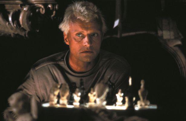 ルトガー・ハウアーが演じるのはレプリカントのリーダー、ロイ・バッティ