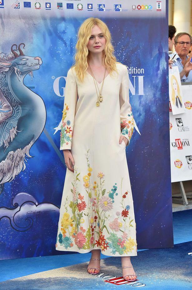 ジッフォーニ映画祭にヴァレンティノのドレスで登場したエル・ファニング