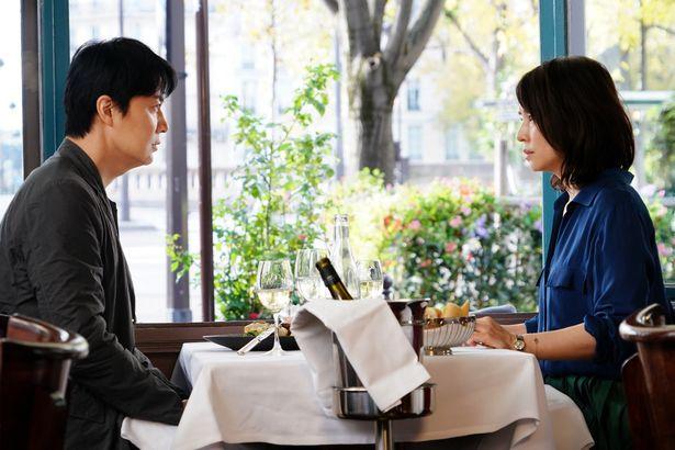 福山雅治と石田ゆり子が大人のラブストーリーを体現