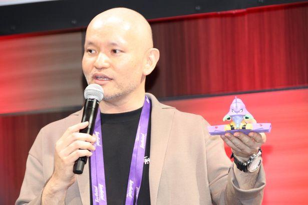 ゲームとフィギュアが連動すると説明した矢野慶一総合プロデューサー
