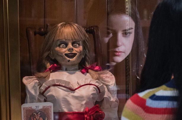 『死霊館』シリーズのスピンオフ第3弾『アナベル 死霊博物館』もやっぱり怖すぎ!