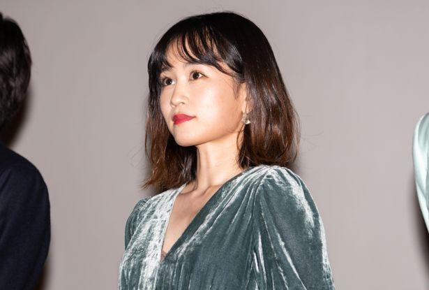 『葬式の名人』初日舞台挨拶に前田敦子が登壇!
