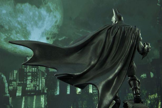 風になびくマントなどこだわりがてんこ盛り!(「コンセプトマスターライン バットマン:アーカム・シティ バットマン」)