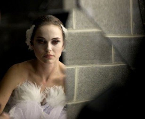 『ブラック・スワン』では、ナタリー・ポートマンによるバレエのレッスンシーンの一部でデジタル合成が使われているという