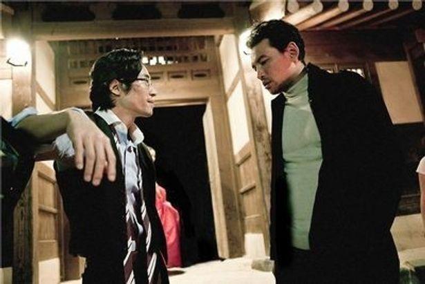 韓国では280万人を動員した大ヒット映画が日本上陸。韓国社会の裏を描いたヒューマンサスペンスだ