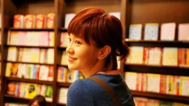 主演女優のアンバー・クォは国民的スター