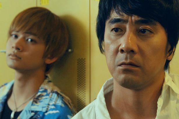 山崎まさよしが14年ぶりに映画主演!ある事件の真相を追うスゴ腕の泥棒に