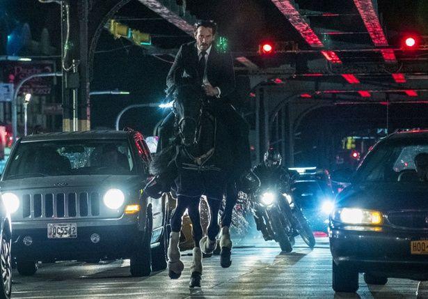 馬に乗り疾走!キアヌが亡き妻のために戦う『ジョン・ウィック:パラベラム』