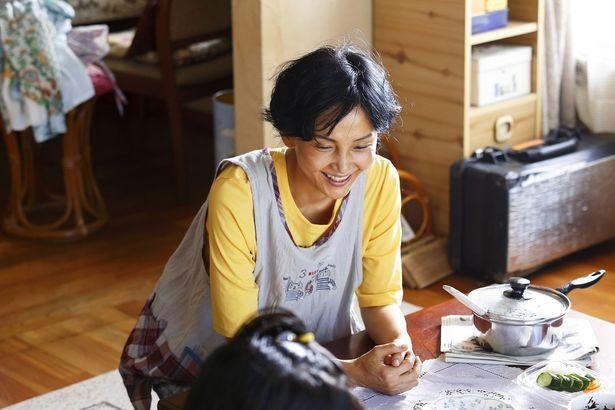 主人公・砂田の母親役を演じているのは南果歩