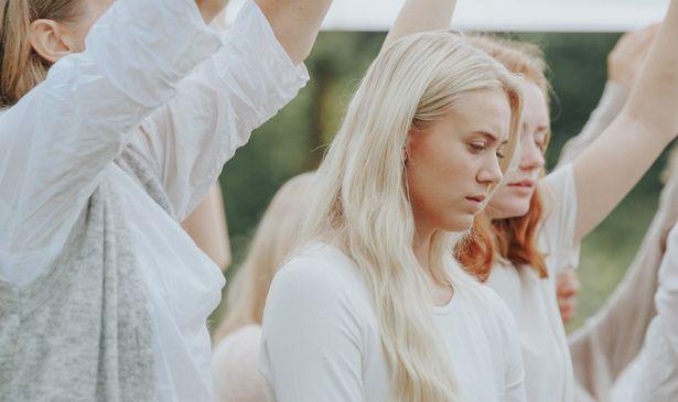 カルト宗教×青春のノルウェー映画『ディスコ』