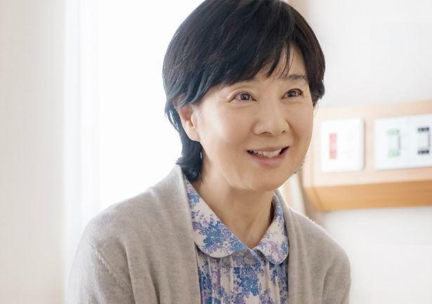 国民的女優・吉永小百合が様々な衣装に挑戦!