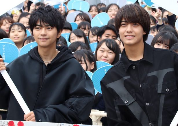 佐藤勝利&高橋海人のサービス精神にファン歓喜!