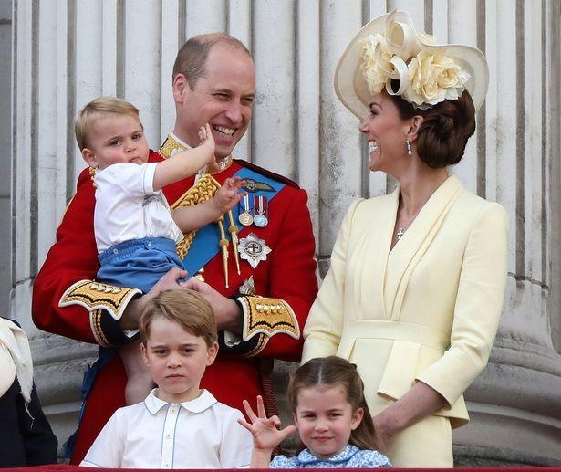 キャサリン妃が子どもたちとスーパーに!