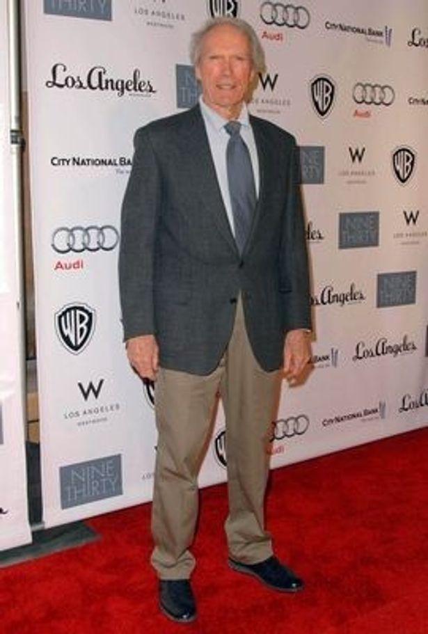イーストウッド監督のほか、ウォルト・ディズニーも日本の震災支援のために250万ドルを寄付することを発表した