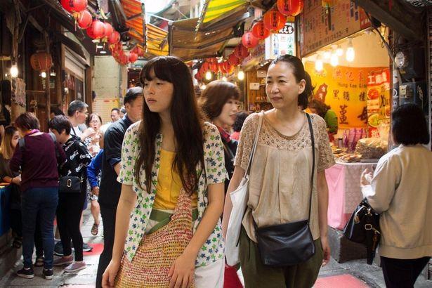 『恋恋豆花』では人間関係や恋愛に嫌気が差し、中退を考える大学生の奈央を演じている