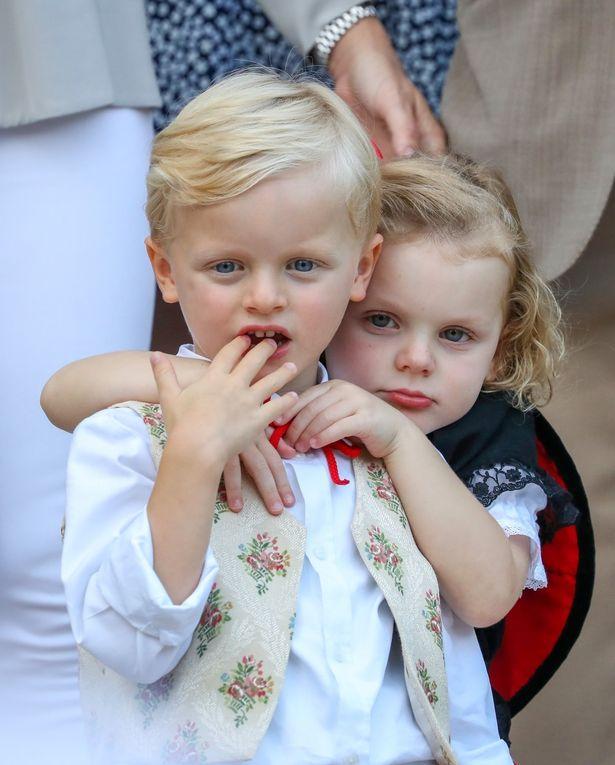 シャルレーヌ公妃が子どもたちの写真を投稿も…