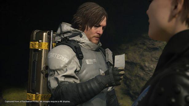 プレイヤーはノーマン扮する主人公のサムを操り、ゲームを進めていく