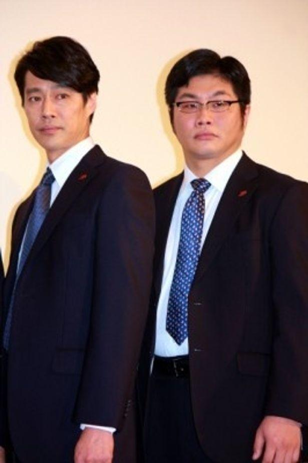被災者にエールを送った堤真一と松尾諭(写真左から)