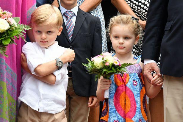 シャルレーヌ公妃が双子の絆を明かした