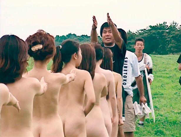 『M/村西とおる狂熱の日々』は11月30日より公開中