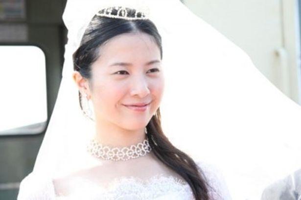 『婚前特急』は現在、日本で公開中