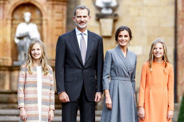スペイン王室公式の2019年クリスマス写真がお披露目