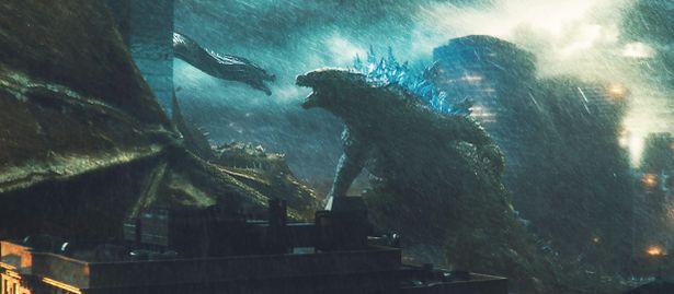 ゴジラ、キングギドラ、モスラ、ラドンによる怪獣王決定戦が勃発!