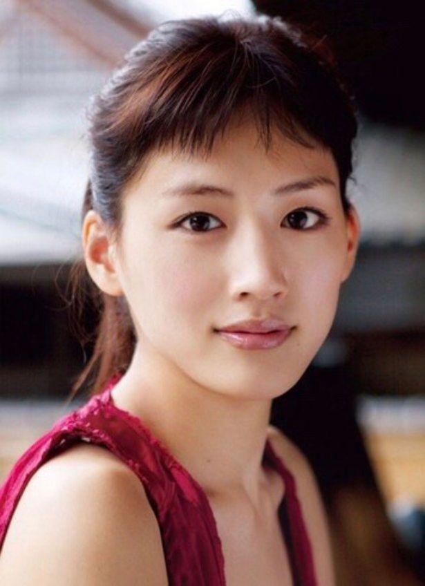 テレビドラマ版に引き続き伊佐山菜美役を演じるのは綾瀬はるか