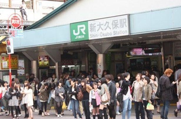 """今、東京でもっとも熱い街""""新大久保""""。GWもやはりものすごい人で賑わっていた!"""