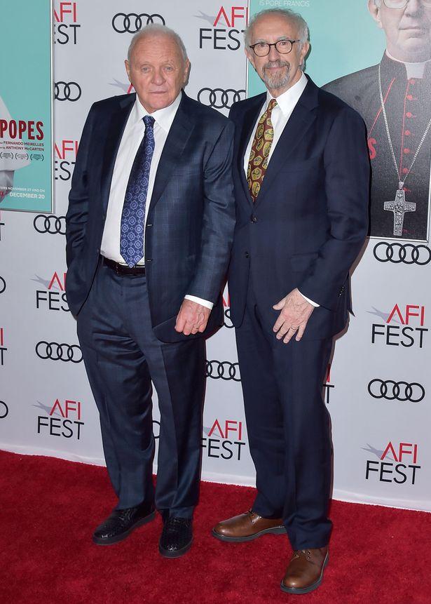 アンソニー・ホプキンスとジョナサン・プライス主演『2人のローマ教皇』も毒舌ジョークのターゲットに