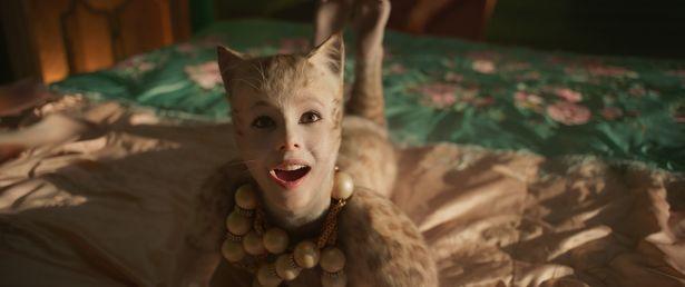 ヴィクトリア役のフランチェスカ・ヘイワード、映画のプロモーションでは今回が初来日に!