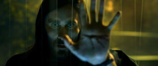 マイケル・キートン演じる謎の人物も登場!『モービウス』公開決定で予告解禁!