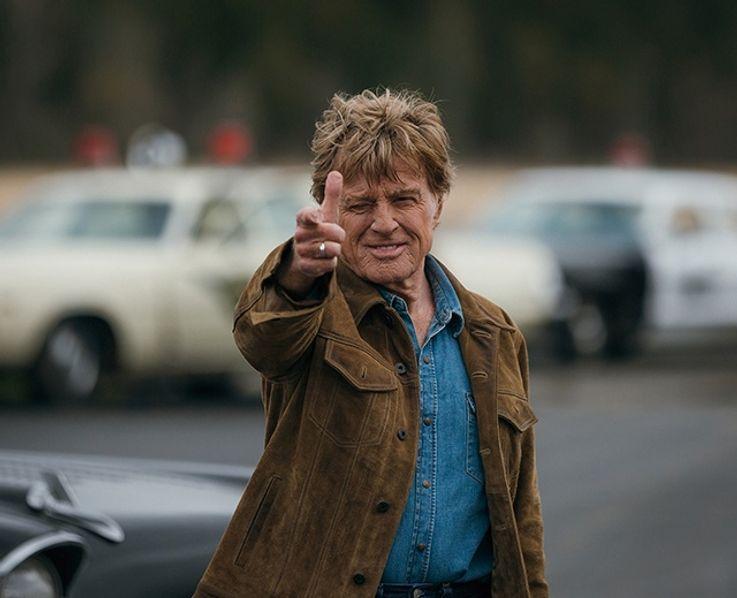 レッドフォードが演じるフォレストは仲間と大銀行での強盗を成功させ、FBIから追われる身に