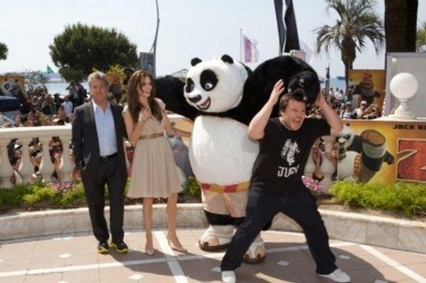 カンヌで行われた『カンフー・パンダ2』の公式記者会見に出席した一同