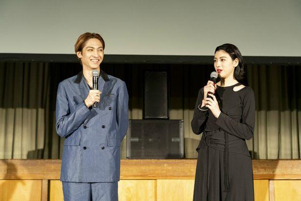 """三吉と古川は撮影現場の思い出や、""""犬鳴村""""の噂について語った"""