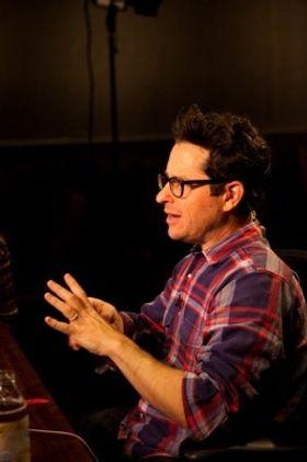 J.J.エイブラムスがスピルバーグとの極秘プロジェクトで緊急会見「本作はカクテルのような映画」
